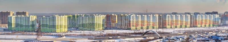 全景照片,新的住宅区在北部城市,圣皮特圣徒・彼得 免版税库存照片