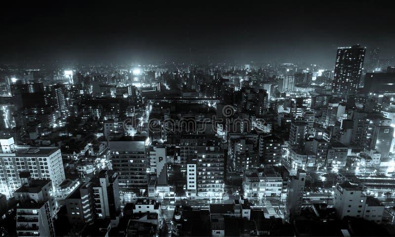 全景现代与夜空的城市地平线鸟眼睛鸟瞰图在大阪,日本 免版税图库摄影