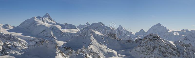 全景瑞士的阿尔卑斯 库存图片