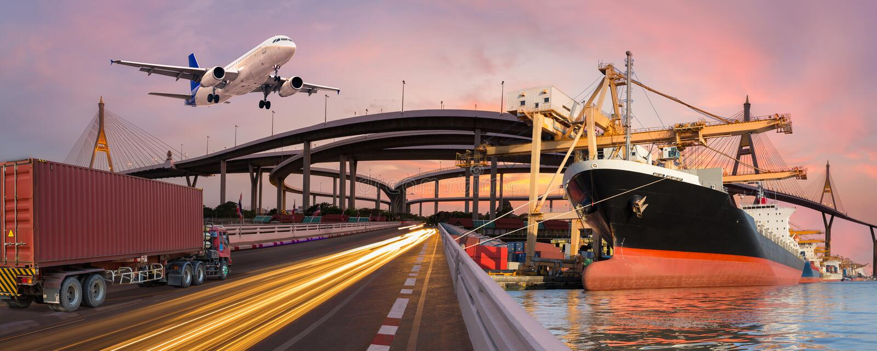 全景运输和后勤指导方针乘卡车小船飞行 免版税库存图片