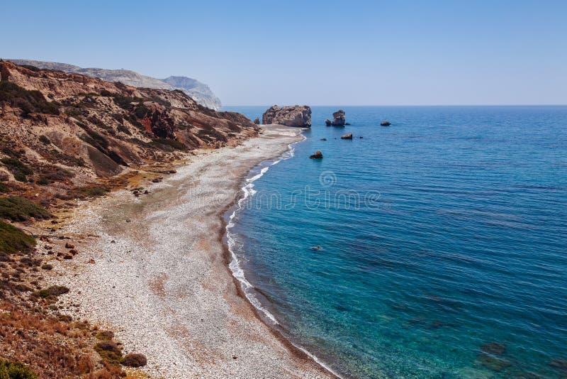 全景风景Petra tou Romiou (岩石希腊语),美之女神的传奇出生地在帕福斯,塞浦路斯海岛, 图库摄影