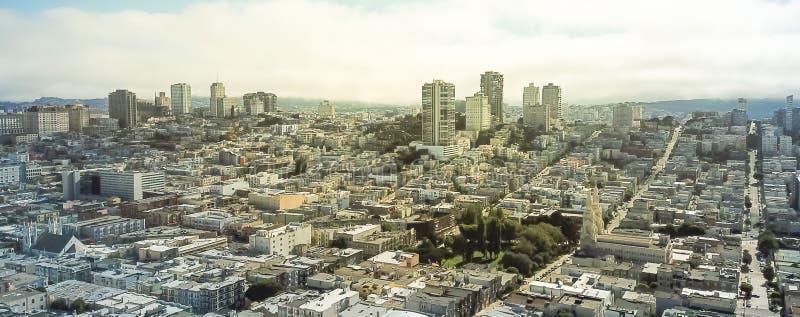 全景鸟瞰图俄国小山邻里在旧金山 免版税库存图片