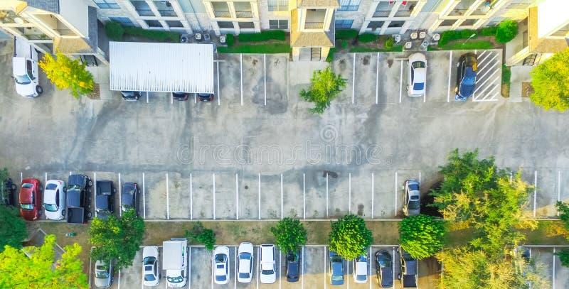 全景鸟瞰图公寓复合体在休斯敦, Tex 库存图片