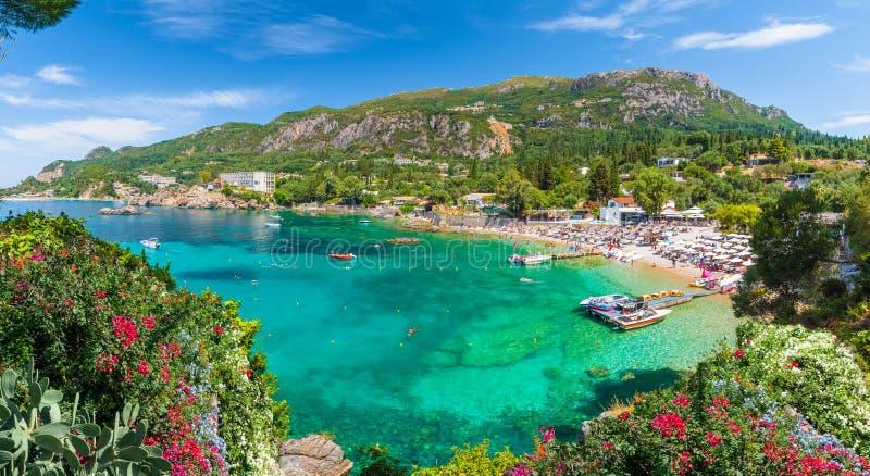 全景,Paleokastritsa海湾,科孚岛海岛,希腊 免版税库存图片