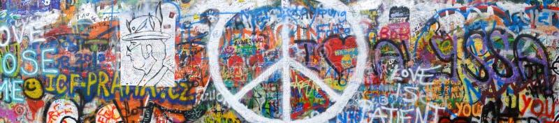 全景2 -布拉格列侬和平墙壁 库存照片