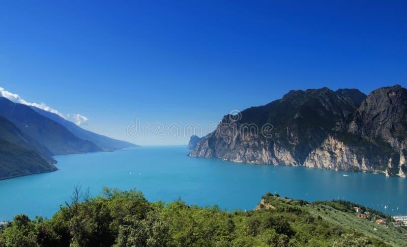 全景garda的湖 图库摄影
