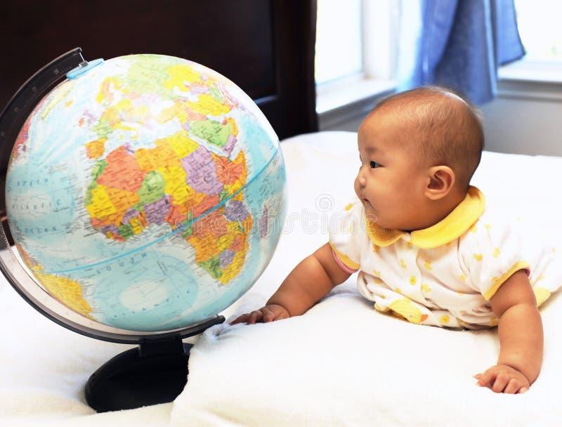 全球的婴孩一点手表 免版税库存图片