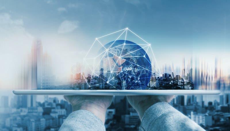 全球网络连接技术和现代大厦 这个图象的元素由美国航空航天局装备 库存照片