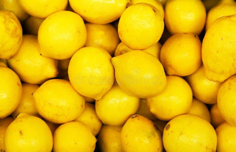 全部明亮的黄色柠檬 免版税图库摄影