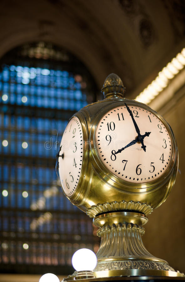 全部的中央时钟 免版税库存图片