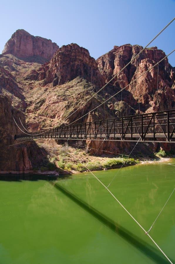 全部黑色桥梁的峡谷 库存照片