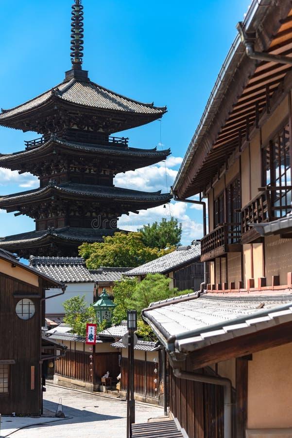 八坂dori地区看法与Hokanji寺庙八坂塔的 免版税库存照片