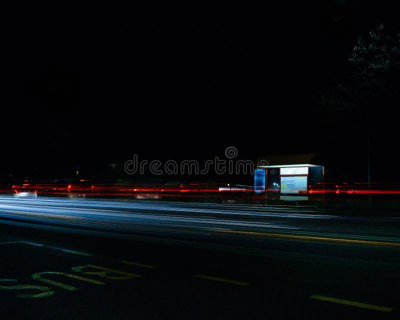 公交车站和堵车 库存照片