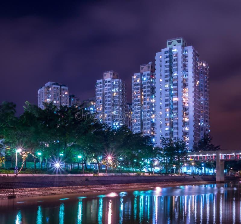 公共住房夜视图在香港 库存图片