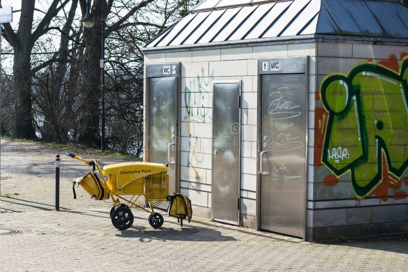 公共厕所在Muelheim der鲁尔 库存照片