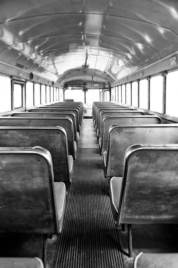 公共汽车的黑白照片后面 图库摄影