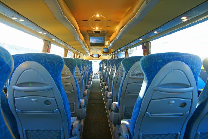 公共汽车空的内部 免版税库存图片