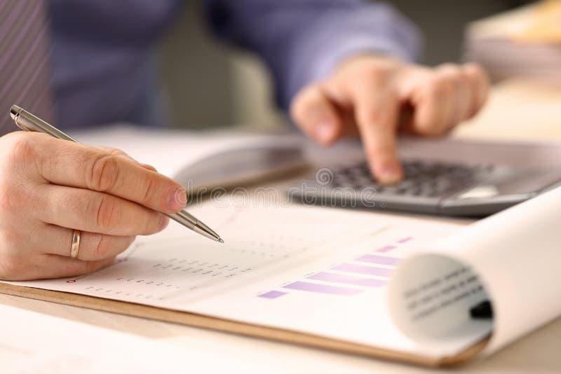 公司业务提供经费给的会计概念 免版税库存照片