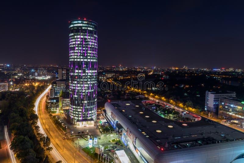 公司大厦天空塔,布加勒斯特,罗马尼亚 免版税库存图片