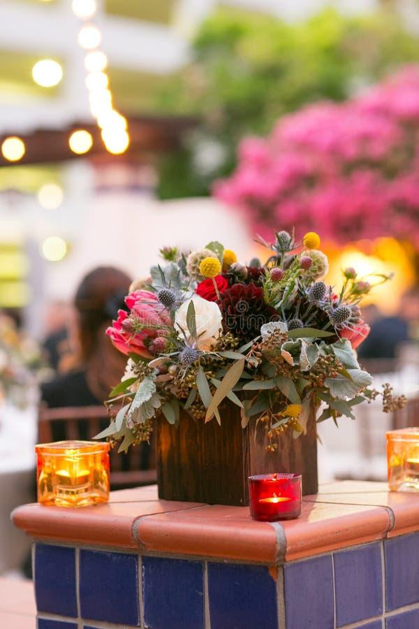 Download 公司饭桌和膳食 库存图片. 图片 包括有 叉子, 椅子, 编排者, 总公司, 用餐, 玻璃, 装饰, 高雅 - 59111323