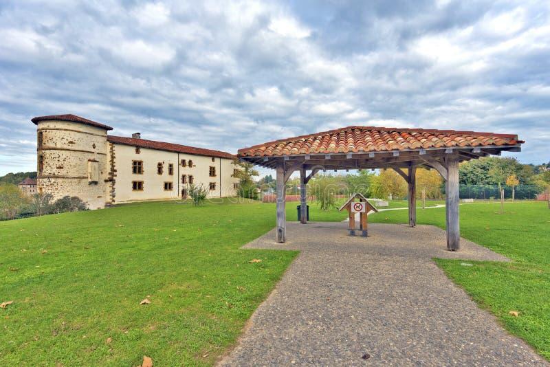 公园和Ezpeleta男爵在巴斯克人埃斯佩莱特别墅防御 免版税图库摄影