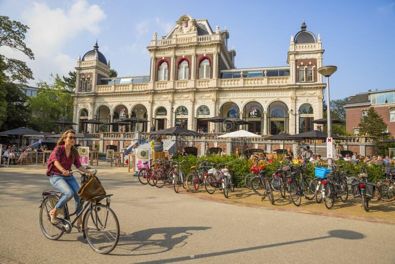 公园咖啡馆在VondelPark在阿姆斯特丹 免版税库存图片