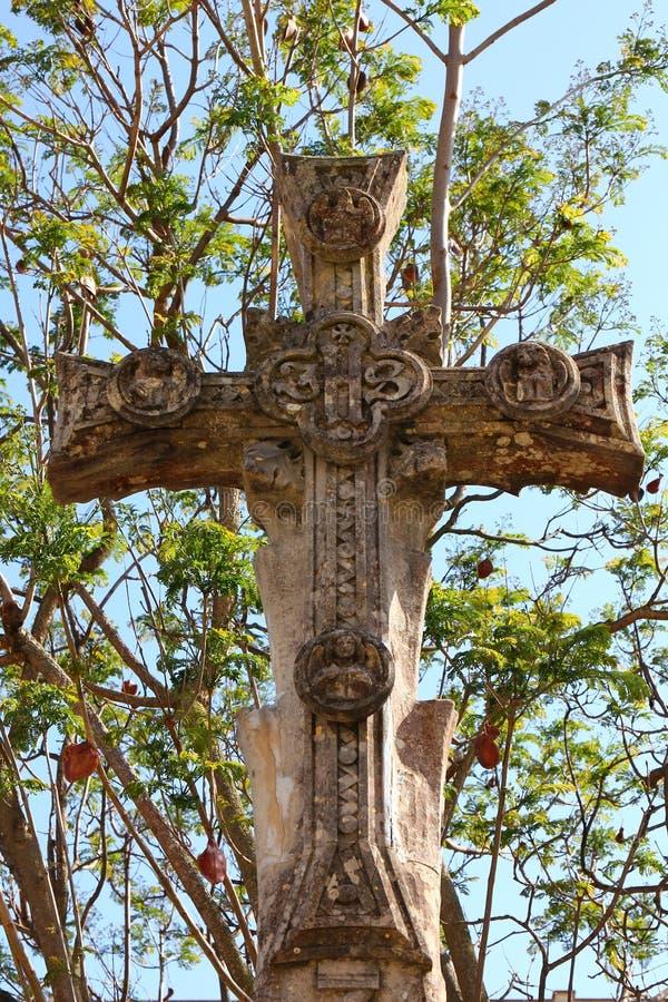 公墓十字架 免版税库存图片