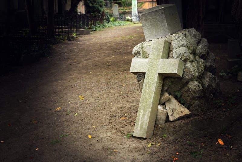 公墓十字架 库存照片