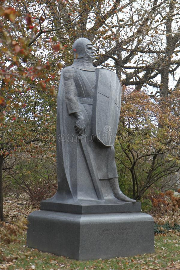 公墓的骑士雕象防御者 免版税库存图片