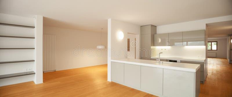 公寓内部现代 露天场所 免版税库存图片