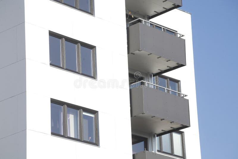 公寓单元,阳台 免版税库存照片