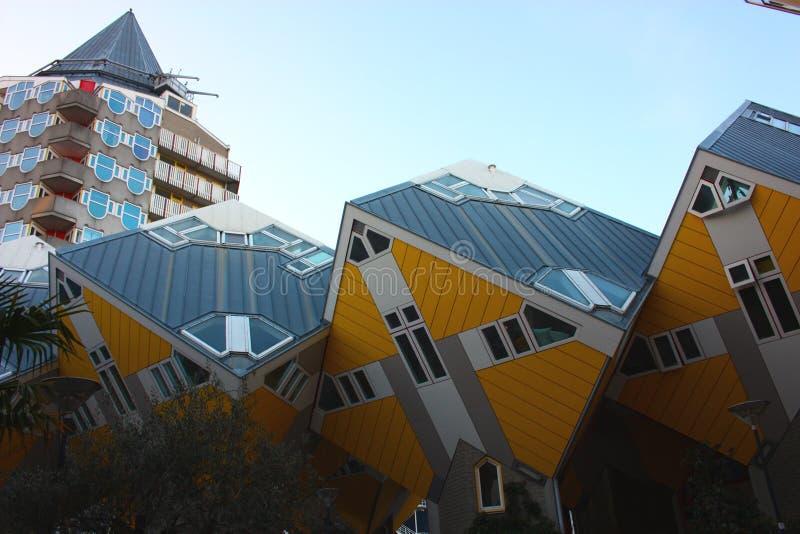 公寓和办公室在鹿特丹立方体房子,大城市城市里面 免版税图库摄影