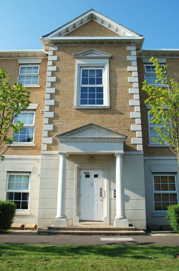 公寓楼入口英王乔治一世至三世时期现代样式 库存照片