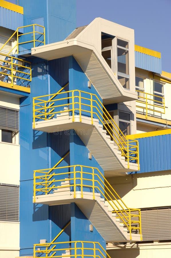 公寓楼蓝色现代 库存照片