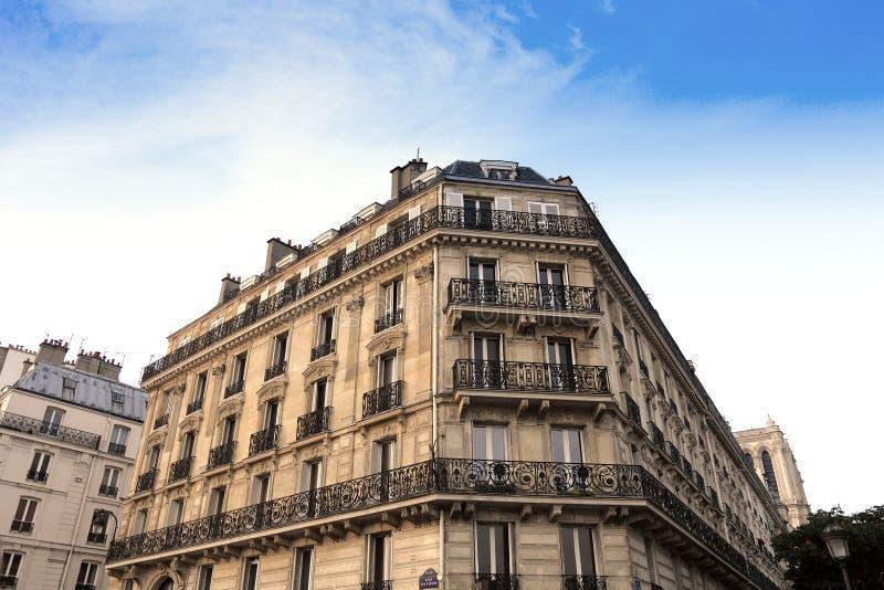 巴黎公寓楼 图库摄影