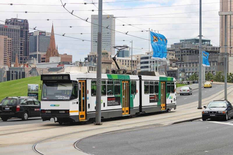公开公共汽车在墨尔本,联络罗德・拉沃竞技场的澳大利亚 库存照片