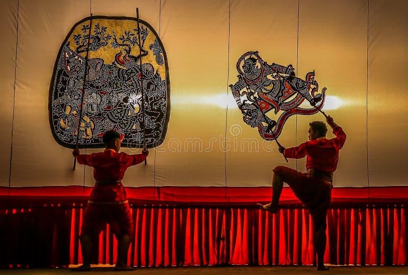 公开展示盛大皮影戏, Ratchaburi,泰国 免版税库存图片