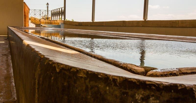 公开洗衣店水池在西班牙 免版税库存图片