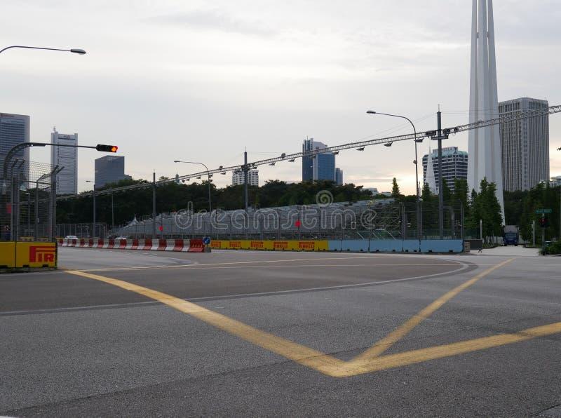 公式1新加坡大奖赛空的街道电路 库存照片
