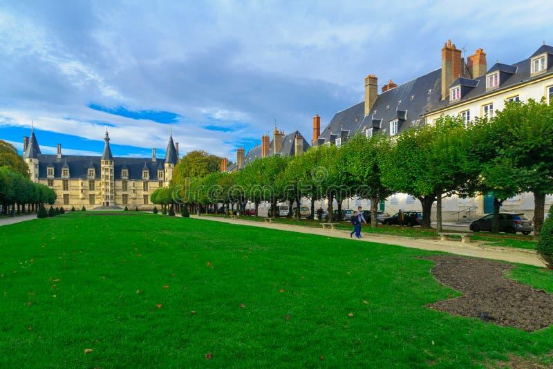 公爵的宫殿在讷韦尔 免版税库存照片