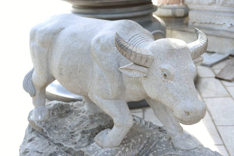 公牛的雕塑 免版税库存照片