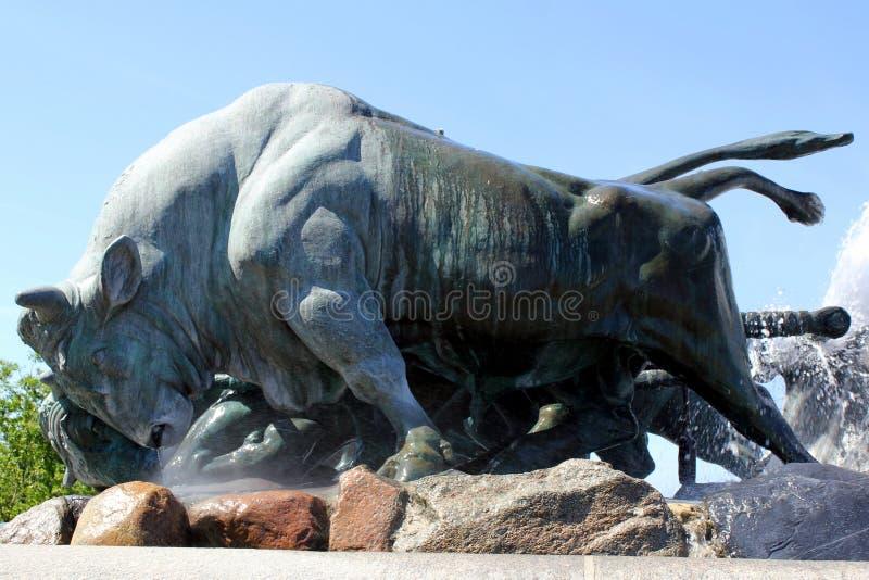 公牛雕塑 免版税图库摄影