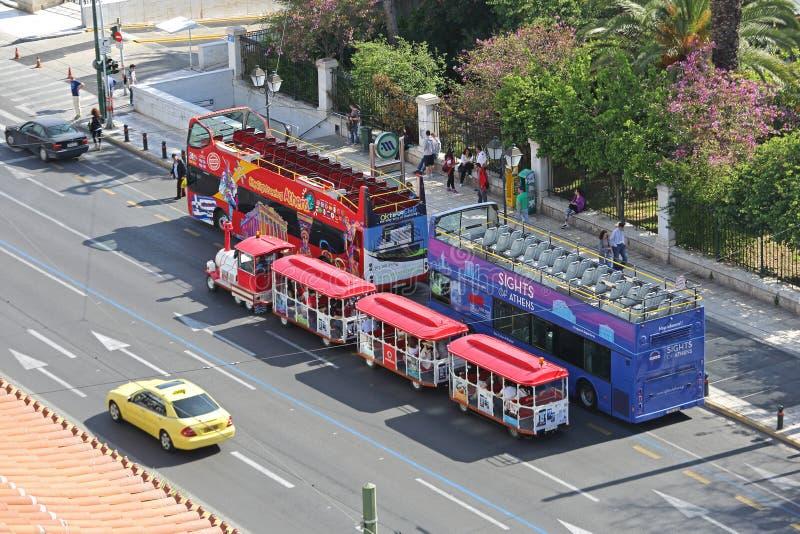 公车运送游人 图库摄影