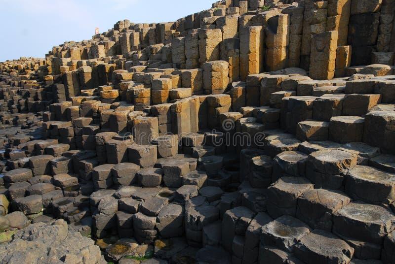 六角石头的不同的水平在巨型` s堤道的 免版税库存照片