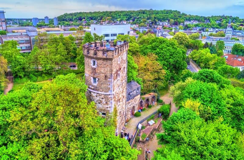 兰格Turm,中世纪塔在亚琛,德国 库存照片