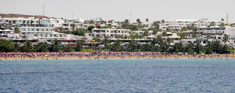 兰萨罗特岛,金丝雀ISLANDS/SPAIN - 8月5日:放松的人们  免版税库存照片