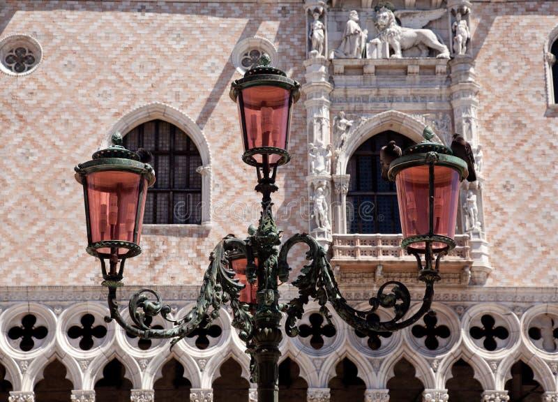 Download 共和国总督闪亮指示华丽宫殿 库存图片. 图片 包括有 有历史, 的adolphe, 海运, 共和国总督, 晴朗 - 15695573