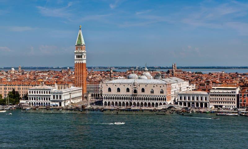 共和国总督宫殿,圣Marco钟楼,威尼斯,意大利 库存图片