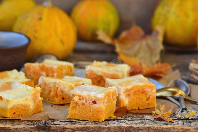 关于乳脂干酪的南瓜饼 库存照片