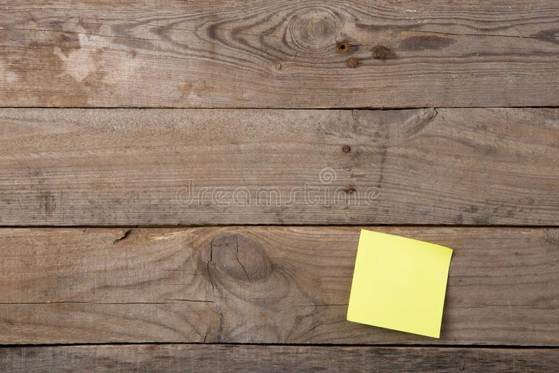 关于空白的黑板的稠粘的笔记 图库摄影